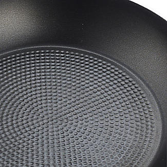 Lakeland 3-Piece Frying Pan Set - 20cm 24cm 28cm alt image 2