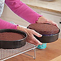 Mary Berry with Lakeland Shallow Pushpans®