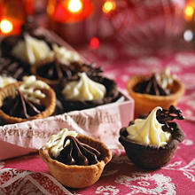 Mini chocolate tarts