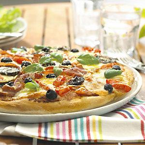 Tomato, mushroom & prosciutto pizza