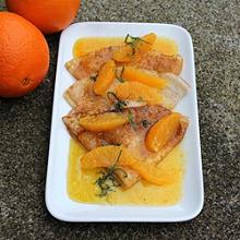 Pfannkuchen mit Orangensauce