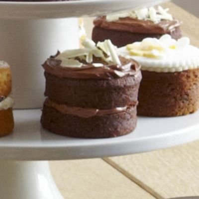 Small Chocolate Cake Design : Mini Chocolate Sandwich Cakes in Cake recipes at Lakeland