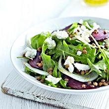 Salat mit roter Bete, Fenchel und Linsen
