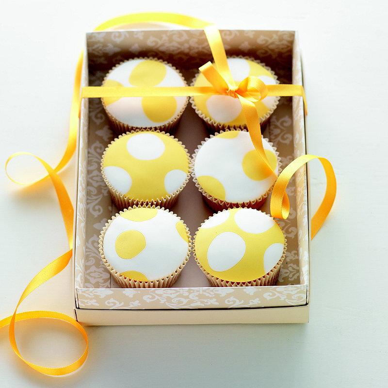 Spotty Ginger Buttermilk Cakes