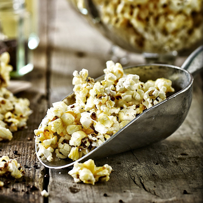 Buttery Caramel Popcorn With Chocolate Coated Popping