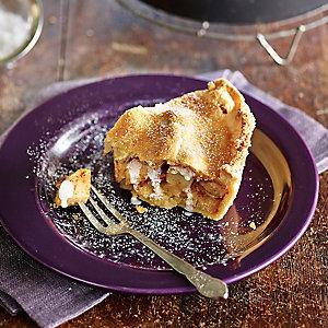 The Best Apple Pie With Cream