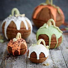 Large Pumpkin Cakes