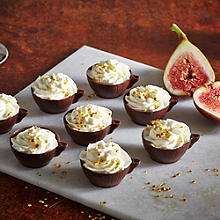 Almond cream cups