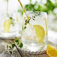 Lemon Thyme Gin Sparkler