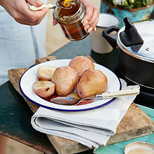 Baked Pears In Greek Honey & Wine