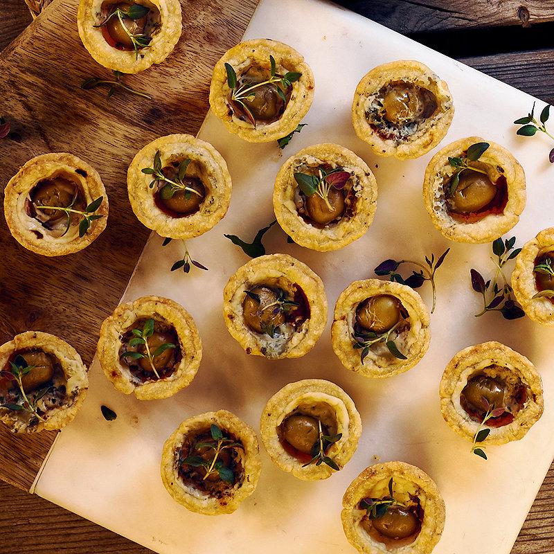 Tomato & Roquefort Treats