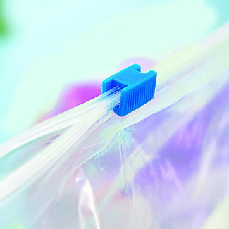 24 Lakeland Zip-Seal Freezer Bags 18 x 20cm alt image 2