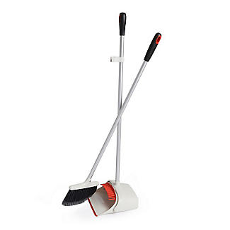 OXO Good Grips Upright Dustpan and Brush Sweep Set alt image 3