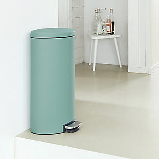 Brabantia® Flatback Kitchen Waste Pedal Bin - Mint 30L alt image 4