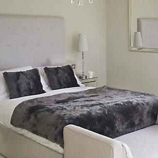 Slate Grey Deluxe Faux Fur Heated Throw alt image 3