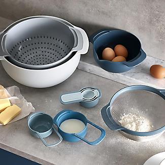 Joseph Joseph Nest 9 Plus Mixing Bowls Sieve and Spoon Set Tonal Grey alt image 2