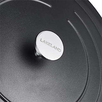 Lakeland Cast Aluminium Casserole 5 Litre alt image 6