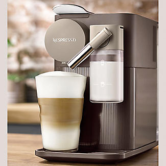 De'Longhi Nespresso Lattissima One Coffee Machine EN500.BW alt image 2