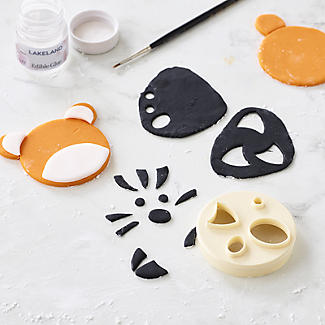 FMM Animal Face Cutter and 3 Renshaw Icing Tiger Colours alt image 6