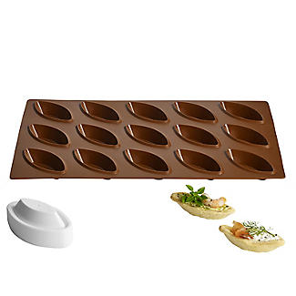 Bateau Shaped Silicone Mould with Pastry Plunger Cutter