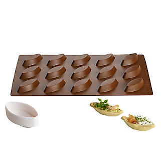 Bateau Shaped Silicone Mould with Pastry Plunger Cutter alt image 3
