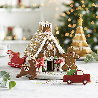 9pc Christmas Gingerbread House Cutter Gift Set alt image 2