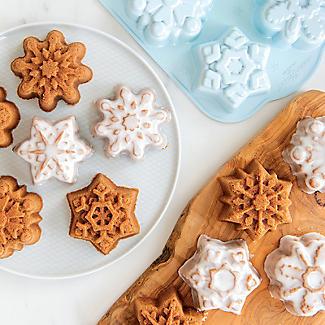 Nordic Ware Frozen Snowflake Cakelet Pan alt image 2