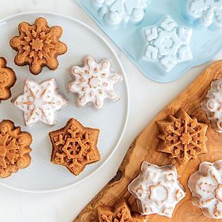 Nordic Ware Frozen Snowflake Cakelet Pan alt image 4