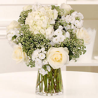 Pearl White Bouquet with Free Express Delivery