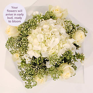 Pearl White Bouquet with Free Express Delivery alt image 3
