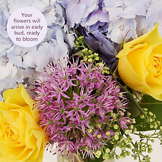 English Garden Bouquet With Free Express Delivery alt image 3