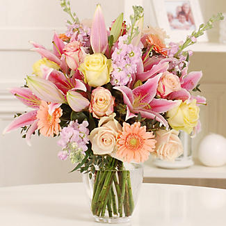 Peachy Blush Bouquet With Free Express Delivery