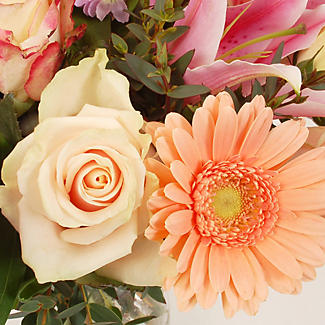 Peachy Blush Bouquet With Free Express Delivery alt image 2