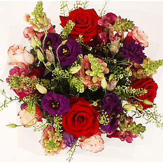 Merlot Bouquet Gift Set With Free Express Delivery alt image 2