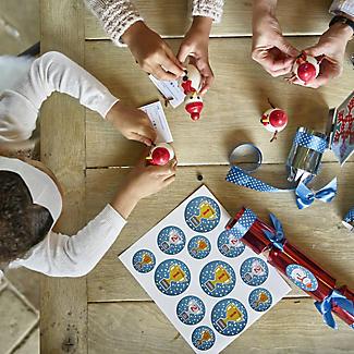 6 Build-a-Snowman Crackers alt image 5