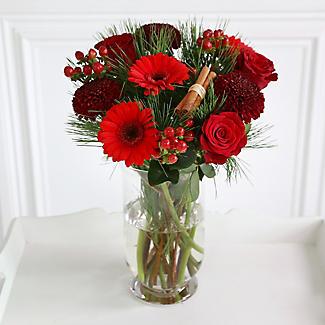 Very Berry Bouquet with Free Express Delivery alt image 2