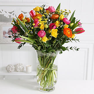Bright Spring Bouquet With Free Express Delivery alt image 2