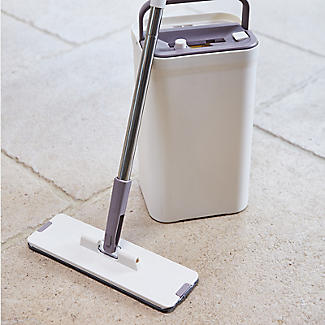 Lakeland Flat Mop Cleaning System with Integrated Squeegee Bucket alt image 9