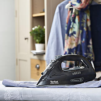 Tefal Ultraglide Anti-Calc Steam Iron FV2662 alt image 3