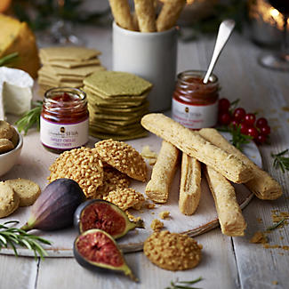 Grandma Wild's Biscuit & Chutney Gift Set alt image 2