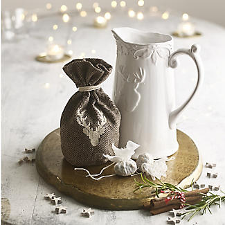 Mulled Wine Stag Jug with Spices alt image 2