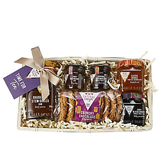 Cottage Delight Wicker Teatime Treats Christmas Hamper