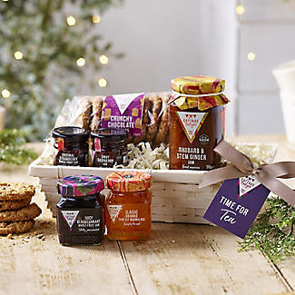 Cottage Delight Wicker Teatime Treats Christmas Hamper alt image 2