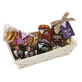 Cottage Delight Wicker Teatime Treats Christmas Hamper alt image 4