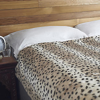 Leopard Print Faux Fur Heated Throw – 120 x 160cm alt image 2