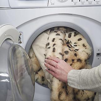 Leopard Print Faux Fur Heated Throw – 120 x 160cm alt image 5