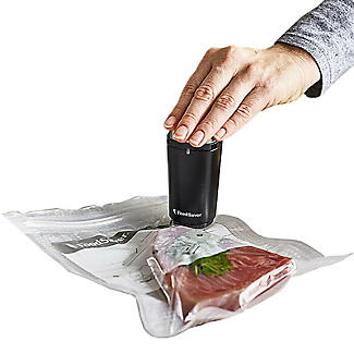 FoodSaver Handheld Vacuum Sealer Plus 10 Bags and 1.2L Box
