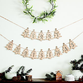 Merry Christmas Wooden Bunting Decoration alt image 3