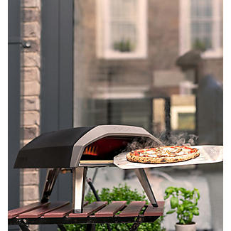 Ooni Koda Gas-Fired Outdoor Pizza Oven with Cookbook and Accessories alt image 2