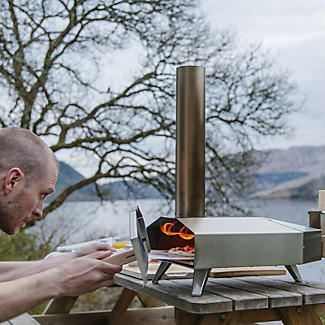 Ooni 3 Wood-Fired Outdoor Oven with Cover Bundle alt image 2